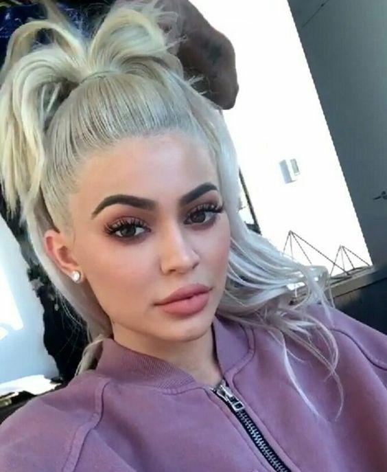 Penteados de balanço de Kylie Jenner você pode copiar