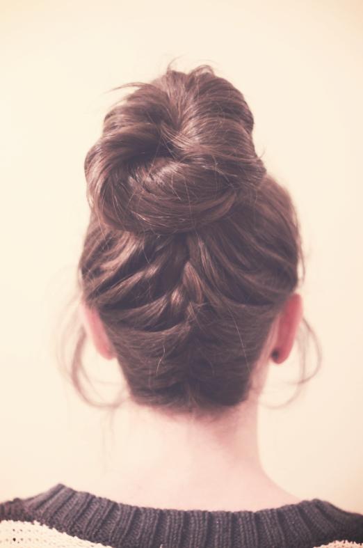 5 penteados bonitos fáceis e rápidos para a temporada de verão