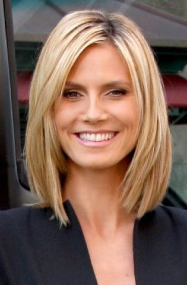 Diferentes tipos de cortes de cabelo curtos e longos e penteado para senhoras mais velhas