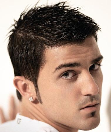 Penteados curtos magníficos e mais recentes para homens