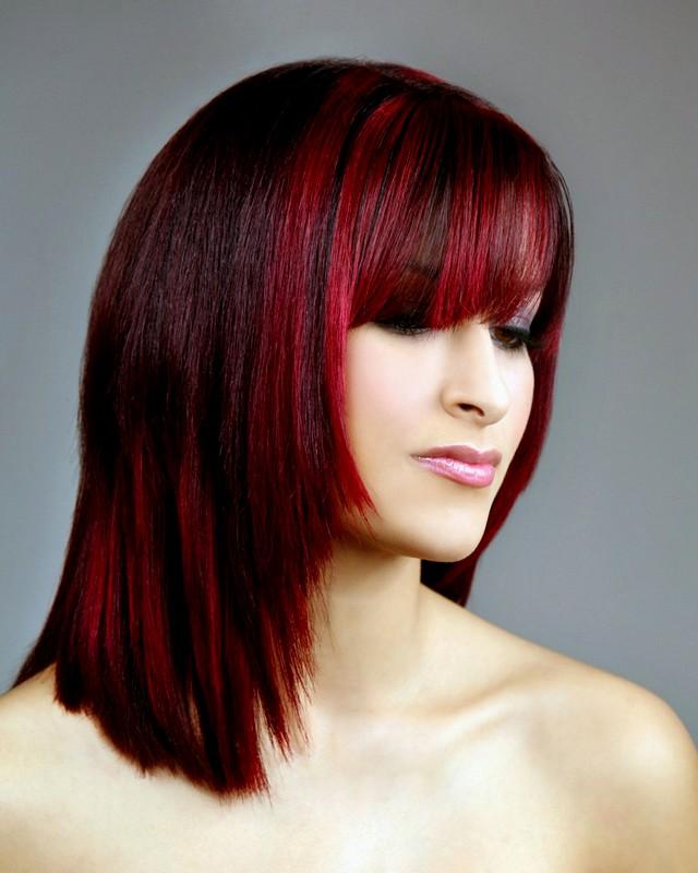 Moda de novos cortes de cabelo, cor de cabelo e destaques para meninas