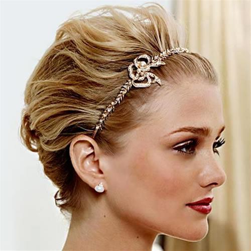 Penteado de casamento na moda mais moderno para cabelo curto Bridals: