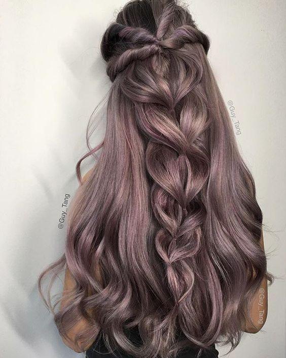 Últimos 2018 penteados inspirados para meninas modernas
