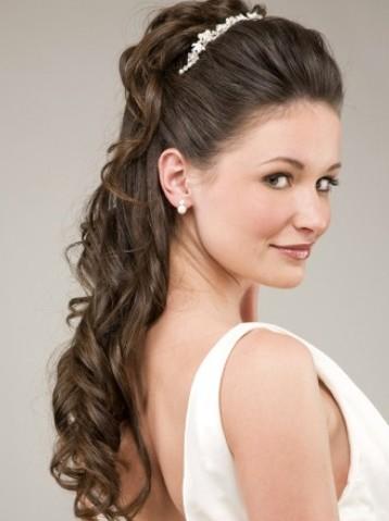 Penteados de princesa mais recentes e modernos para meninas
