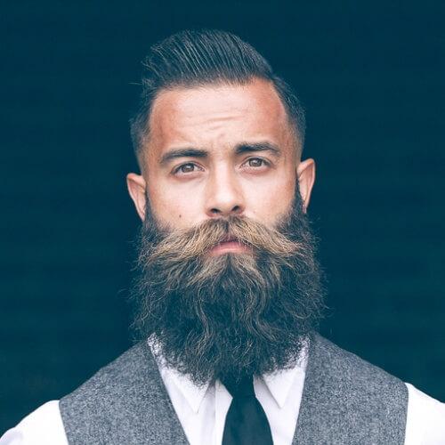 Barba Completa e Mohawk Elegante