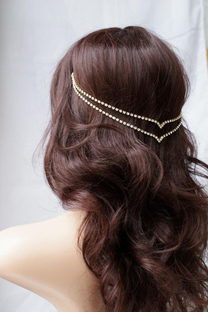 Vestir seus tranças com diferentes tipos de acessórios de cabelo
