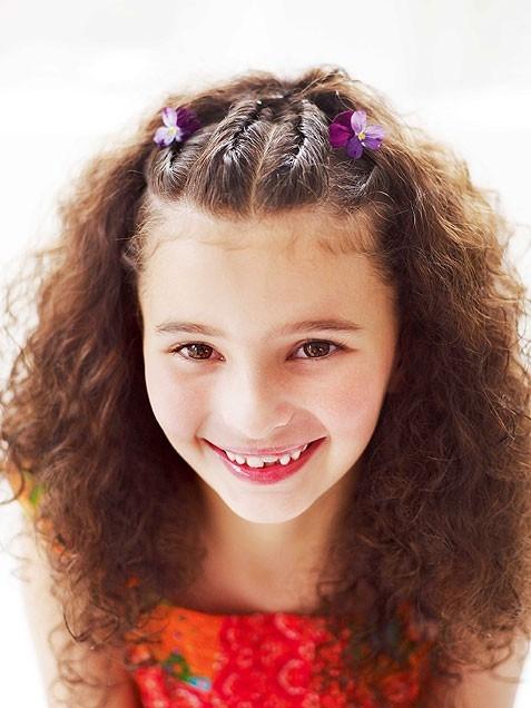 10 penteados da moda e fácil para as meninas
