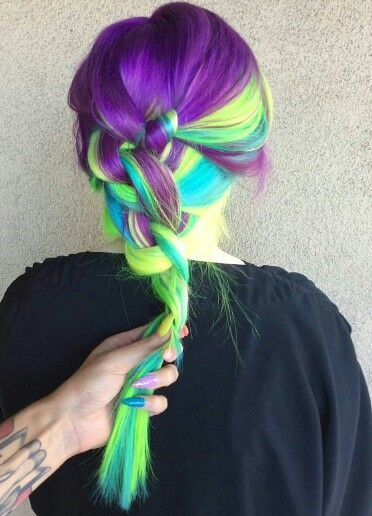 Múltiplas tonalidades para tranças de cabelo a cores