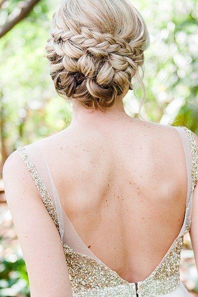 18 penteados sensacionais para eventos de casamento de verão