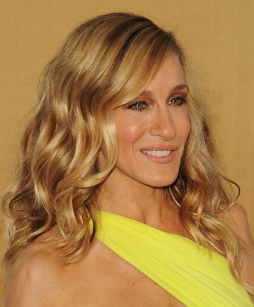 Idéias de penteado adequado de forma de rosto longo melhor para senhoras: