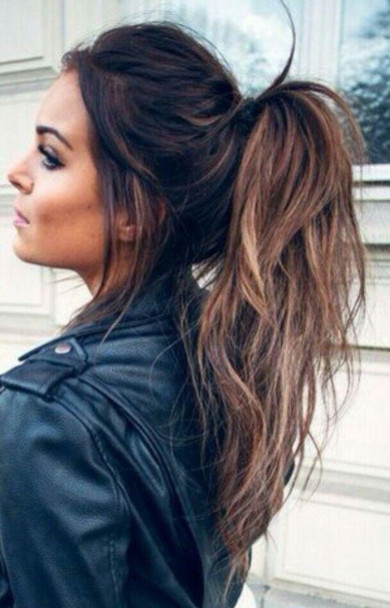Bonito, elegante e fácil de fazer penteados rabo de cavalo para meninas