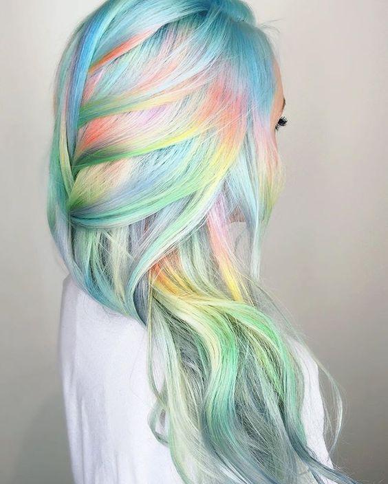 Estilo seu cabelo realçado com esses penteados diferentes