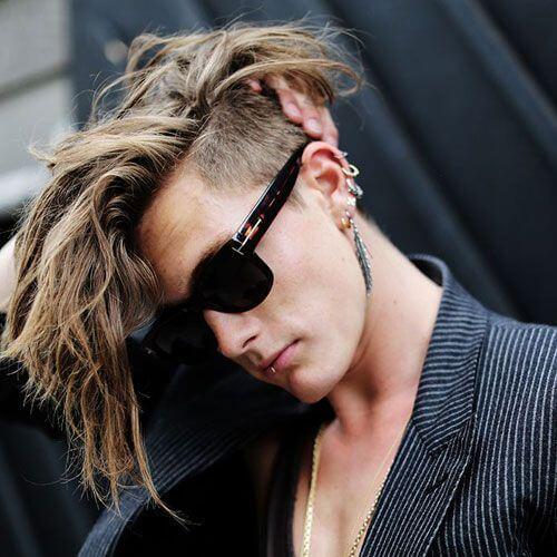 Penteados longos mohawk para homens