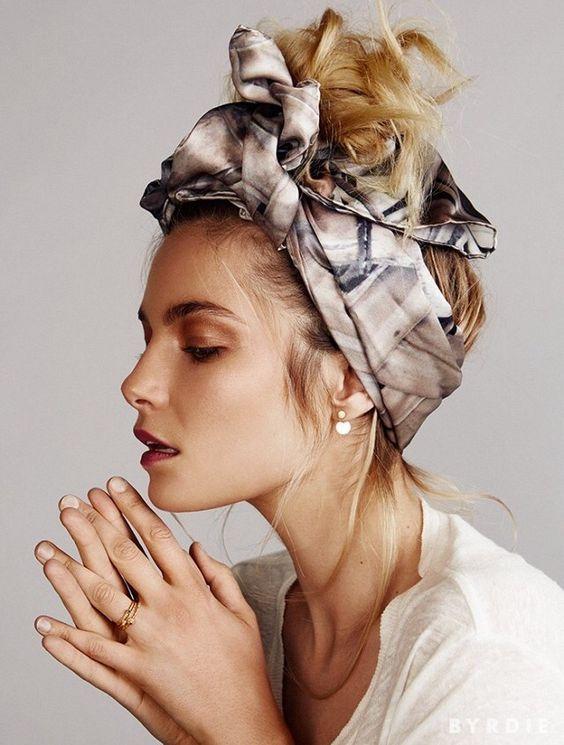 Maneiras de usar uma faixa de cabeça com penteados diferentes