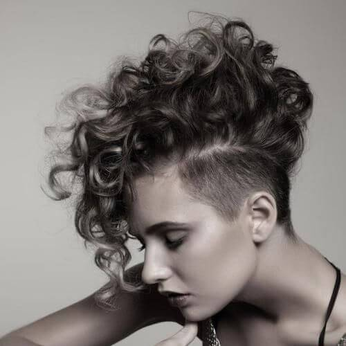 35 cortes de cabelo curtos para cabelos crespos que ficam bem em qualquer um