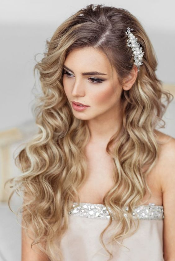 Idéias para fazer penteado de cabelos encaracolados