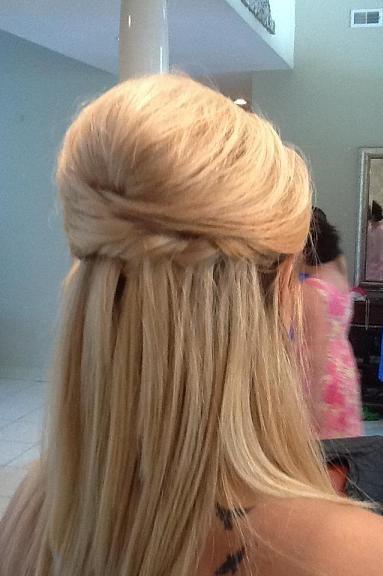 Metade para cima Metade para baixo Casamento Penteado Idéias para cabelo curto Noivas e damas de honra