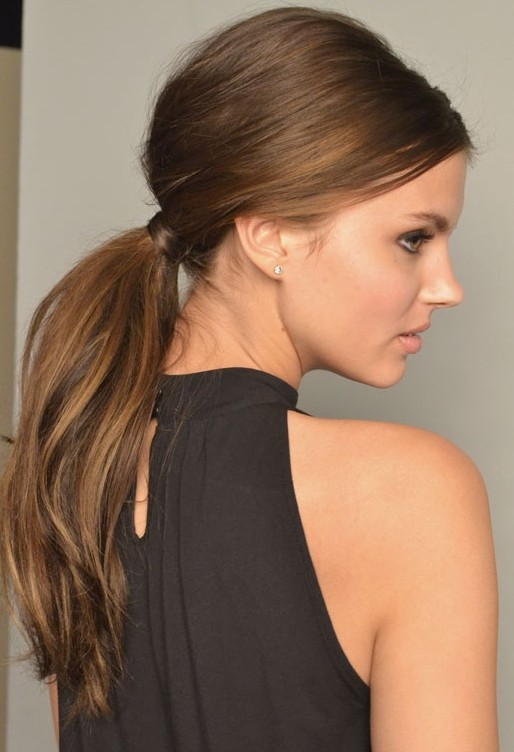 A maioria dos penteados curtos na moda para meninas adolescentes