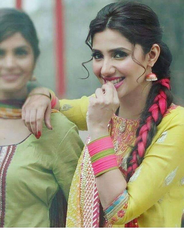 Penteados mais populares de atrizes paquistanesas