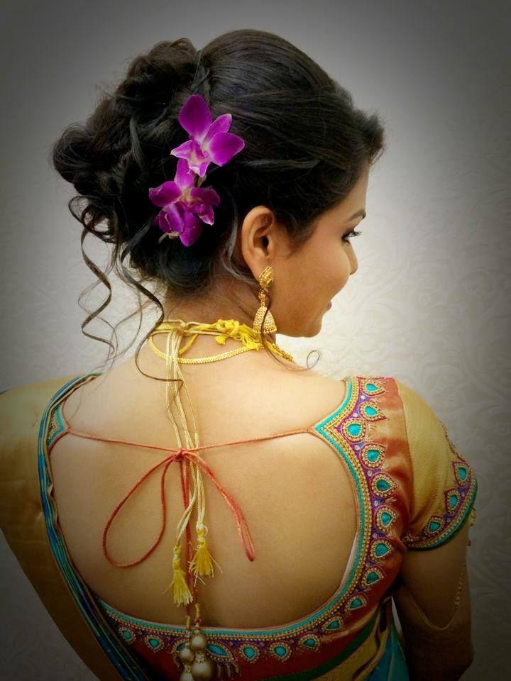 Penteado nupcial indiano popular para a função do copo de água