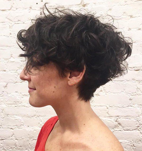 70 dos mais elegantes penteados curtos e encaracolados