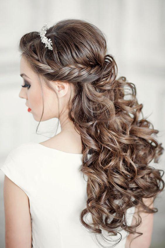Idéias de fascínio de penteados de casamento longos com acessórios de cabelo bonito