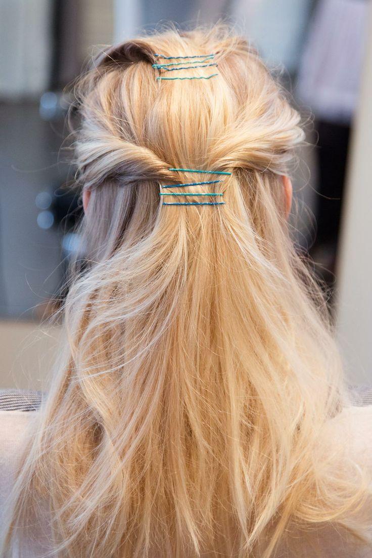 10 maneiras mais proeminentes para fazer o seu cabelo usando grampos