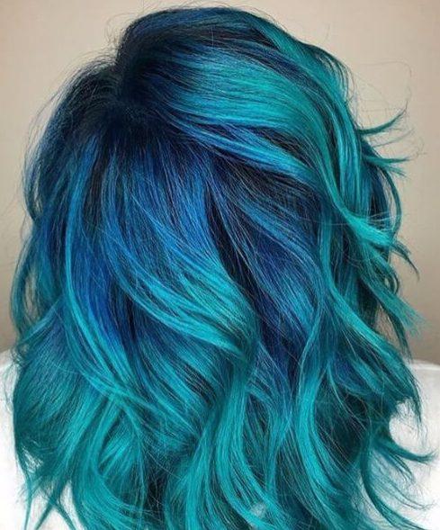 cor do cabelo da cerceta com raizes da cobalto