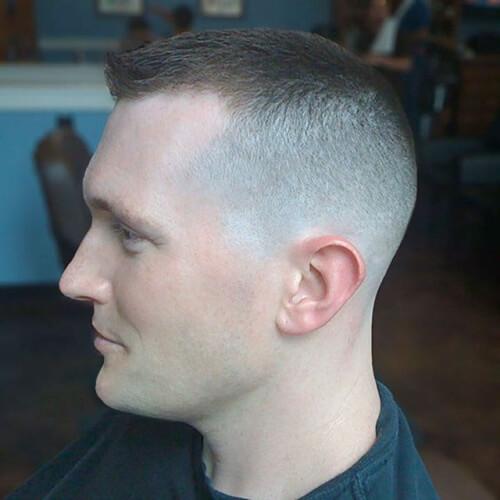 50 penteados inteligentes para homens com Receding Hairlines