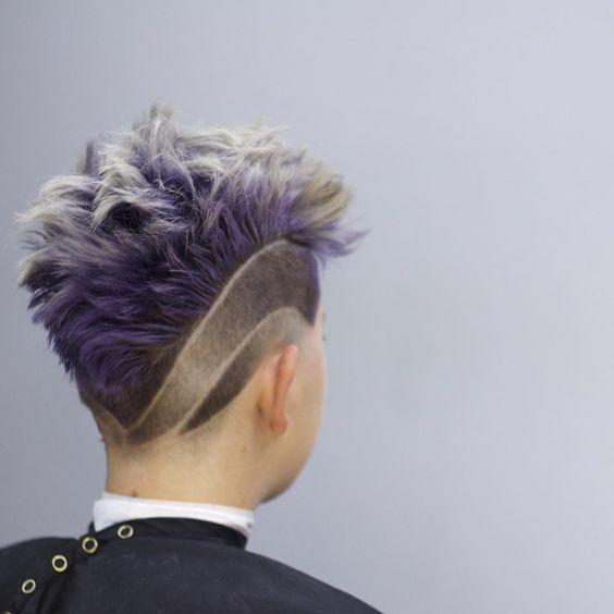 Idéias frescas e diferentes de penteado para homens