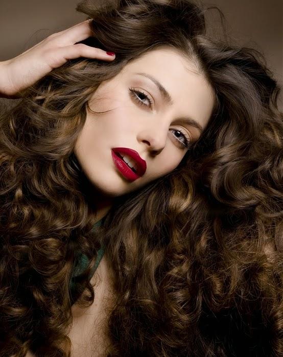 As melhores dicas de cuidados com os cabelos para cabelos cacheados