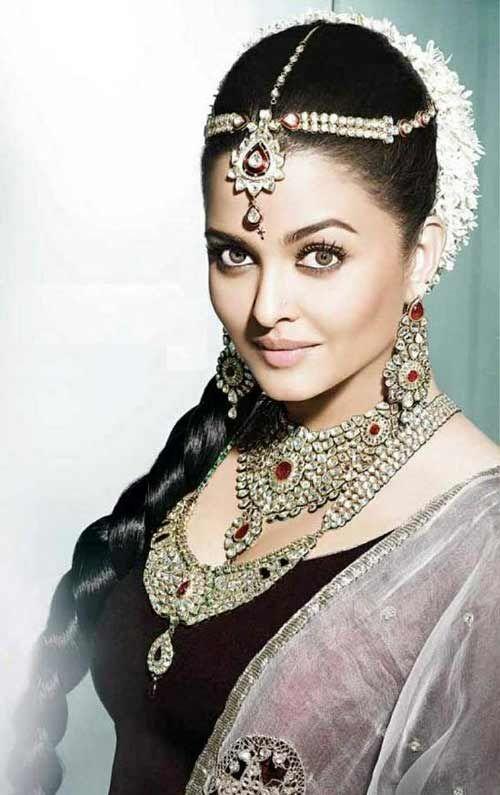 Mais recentes 10 penteados mais populares da indústria cinematográfica de Bollywood