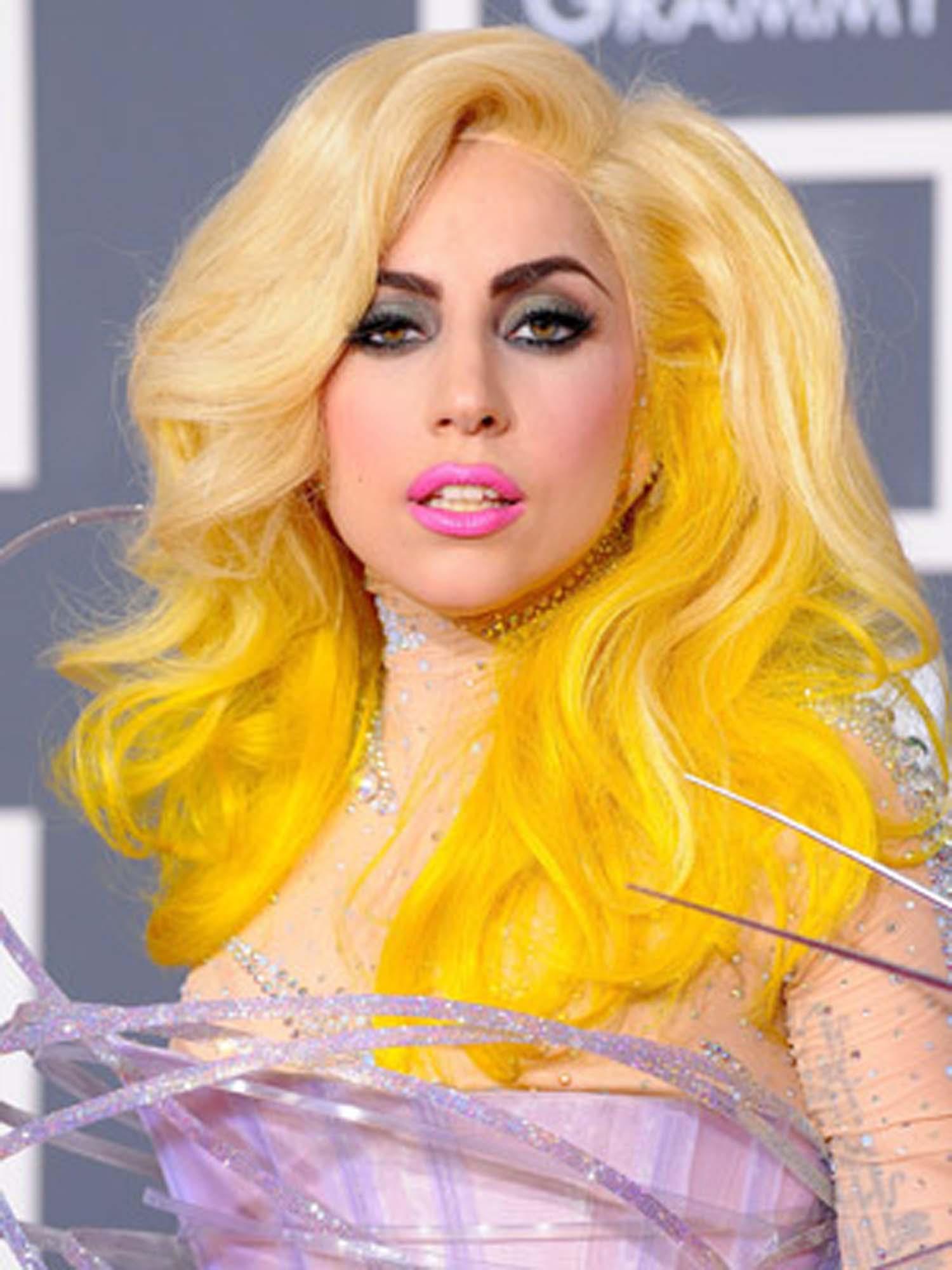 Penteados criativos diferentes de Lady Gaga