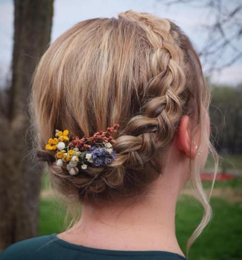 Idéias de penteado redondas trançadas modernas para menina