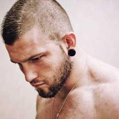 Penteados Mohawk curtos para homens