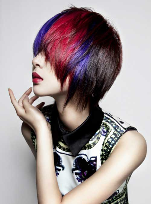Penteado colorido surpreendente com cabelos curtos