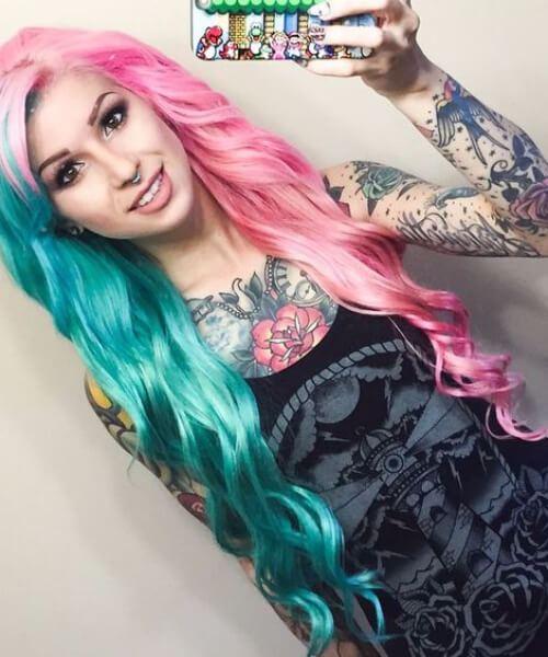 extensões de chiclete e cor de cabelo verde-azulado