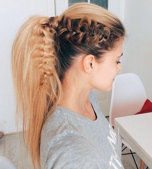 Crie rabos de cavalo versáteis com seus longos cabelos