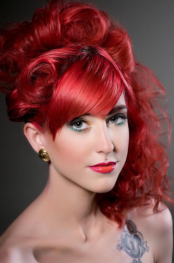 Mais recente moda de cabelos vermelhos em estilos impressionantes