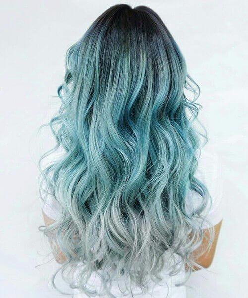 cor de cabelo cinza e verde-azulado