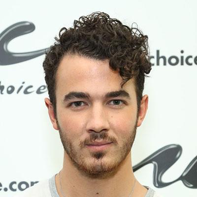 Superb & Trendy Curly Penteados Curtos Idéias para Homens