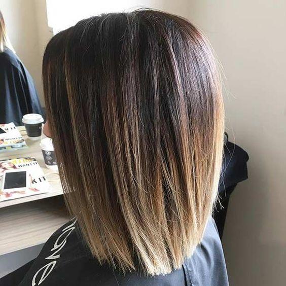 Corte de cabelo no ombro com estilo incrível