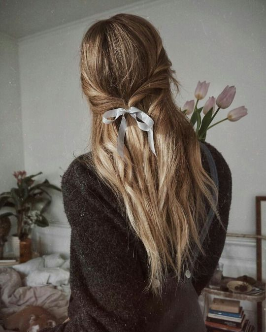 Tendência College Girl Winter Hairstyle Ideas 2018