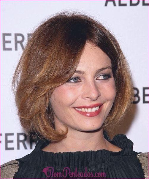 20 penteados elegantes para rostos redondos