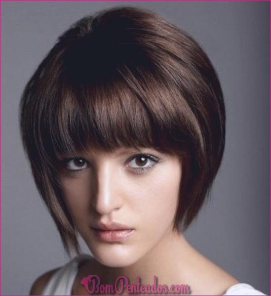 20 cabelo curto simples com franja
