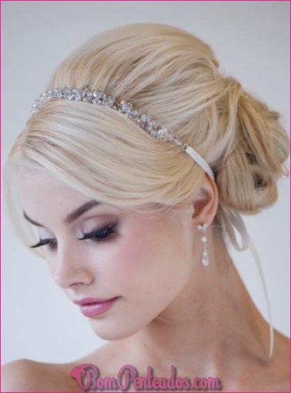 15 Chicoso cabelo casamento Updos para noivas elegantes