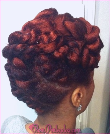 20 updos elegantes para cabelos naturais