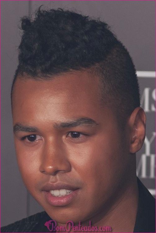 Melhores estilos de cortes de cabelo de homens negros Mohawk